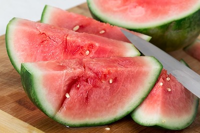 Kann ich meinem Hund Wassermelone geben?